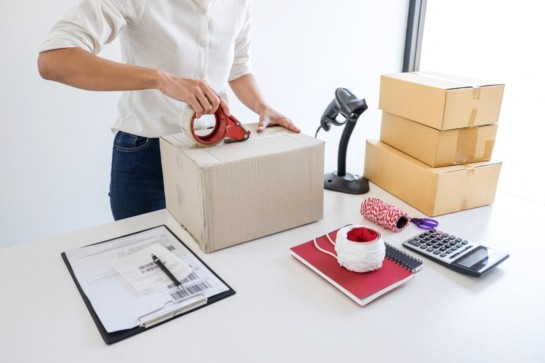 SendMe Malaysia • shipment online sales small business or sme entrepreneur owner delivery service and working packing t20 gRRYBk